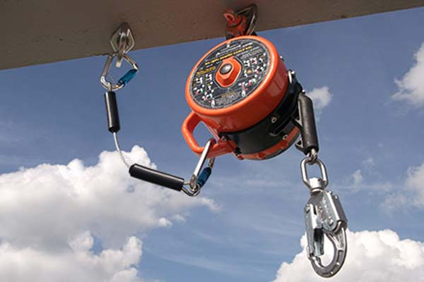 Sealed retractable lifeline